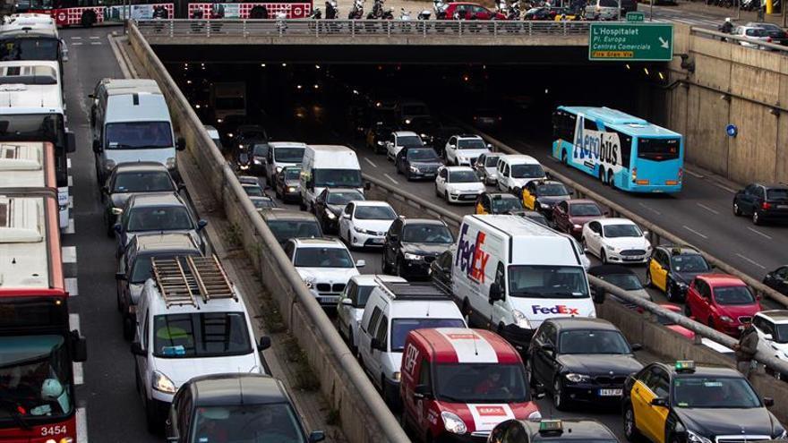 Barcelona afronta hoy una huelga de autobuses en plena celebración del Mobile