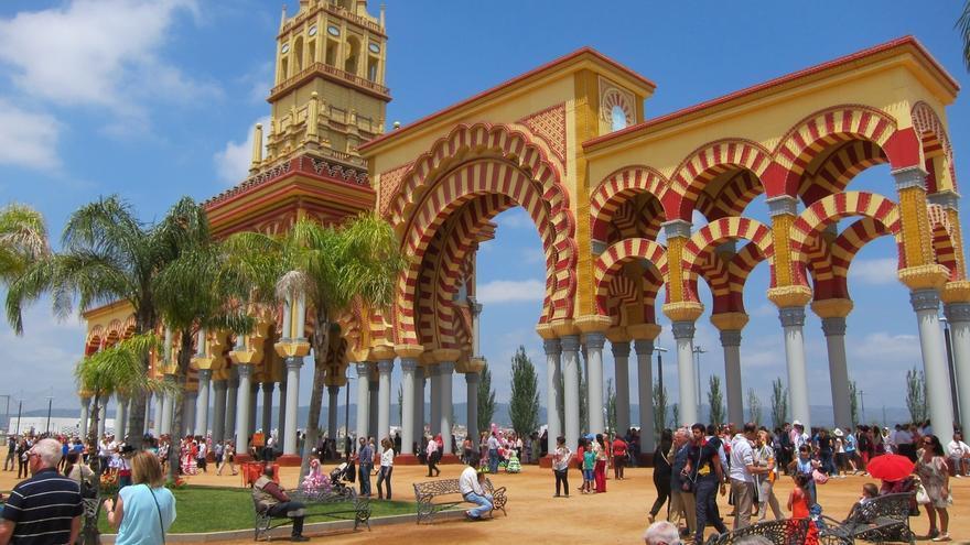 La Feria de Nuestra Señora de la Salud comienza este viernes con 97 casetas y más iluminación en el recinto