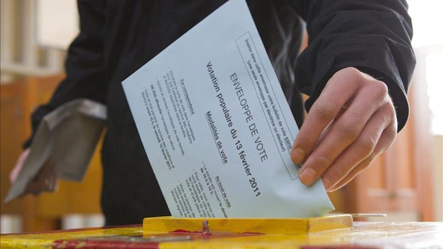 Los suizos se aprestan a refrendar la reforma que endurece la ley de asilo