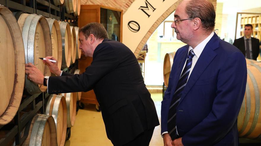 El ministro Luis Planas junto al presidente de Aragón