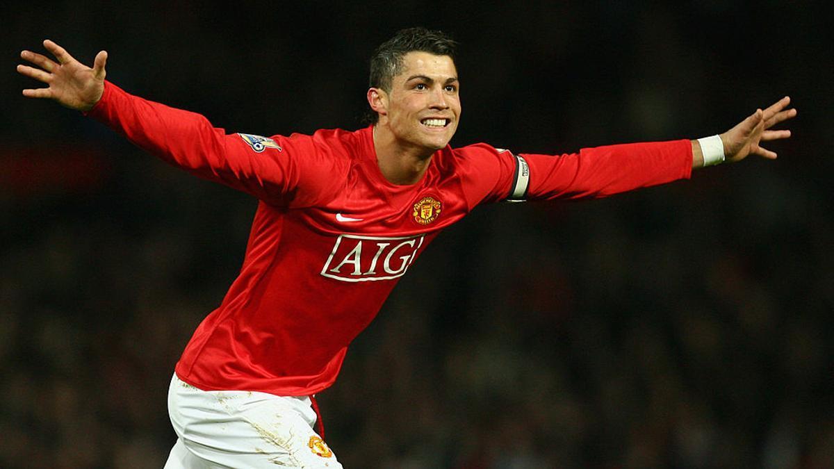 En Manchester United, Cristiano Ronaldo jugó 292 partidos entre 2003 y 2009, marcó 118 goles y brindó 69 asistencias.