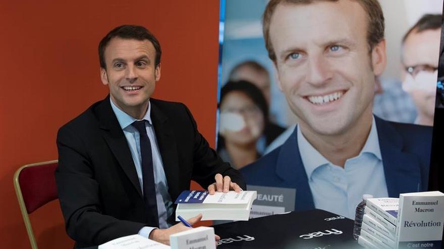 """Macron desdeña las primarias de la izquierda y las ve un """"ajuste de cuentas"""""""