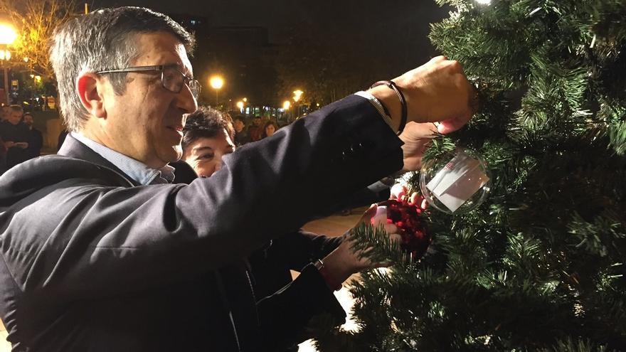 """López: """"Me preocupa que el PNV, para defender no sé qué esencias, acabe pactando con el PP"""""""