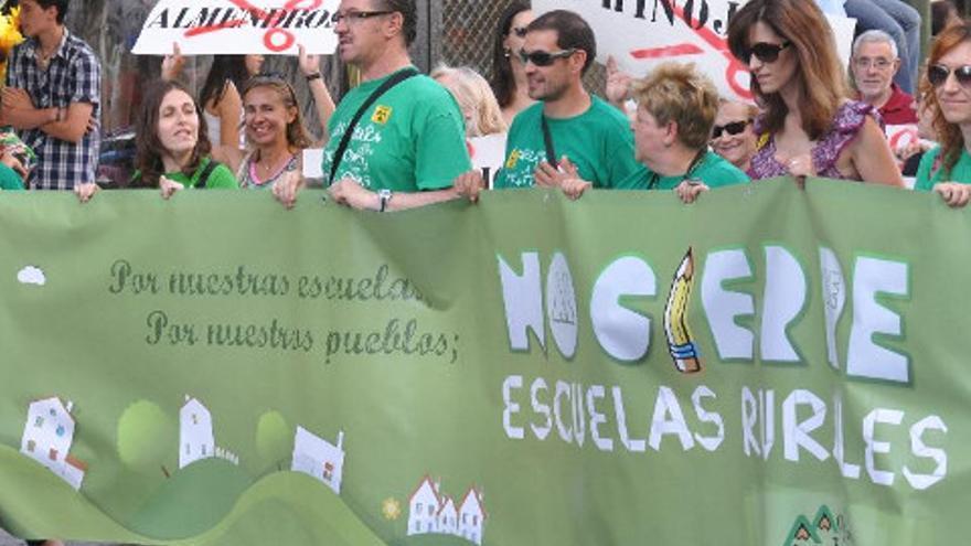 Movilización contra el cierre de escuelas rurales / Foto: STE-CLM