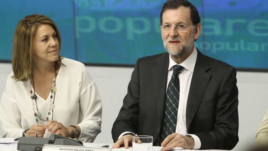 Rajoy asegura, en la copa de Navidad con los empleados del PP, que ahora se abre un periodo de negociación