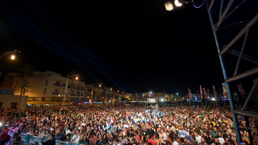 Público en WOMAD Fuerteventura 2015 (CARLOS DE SAÁ)