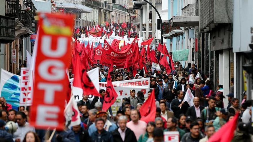 La central obrera de Ecuador rechaza reformas laborales y prepara una huelga general