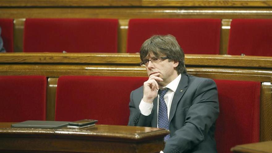 El Govern catalán pide ideas factibles ante la pobreza y la oposición más autocrítica