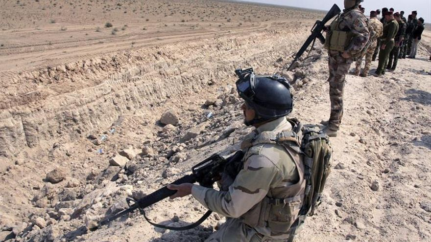 Mueren 47 yihadistas en un ataque aéreo de la coalición a un convoy del EI en Irak