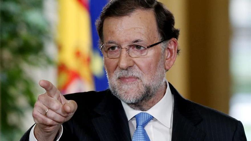 El presidente del Gobierno, Mariano Rajoy, durante la rueda de prensa posterior a la reunión extraordinaria del Consejo de Ministros (EFE/SERGIO BARRENECHEA)