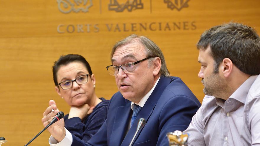 Arcadio Mateo del Puerto, exdirectivo de Acuamed, en la comisión de las Corts que investiga la financiación de PSPV y El Bloc