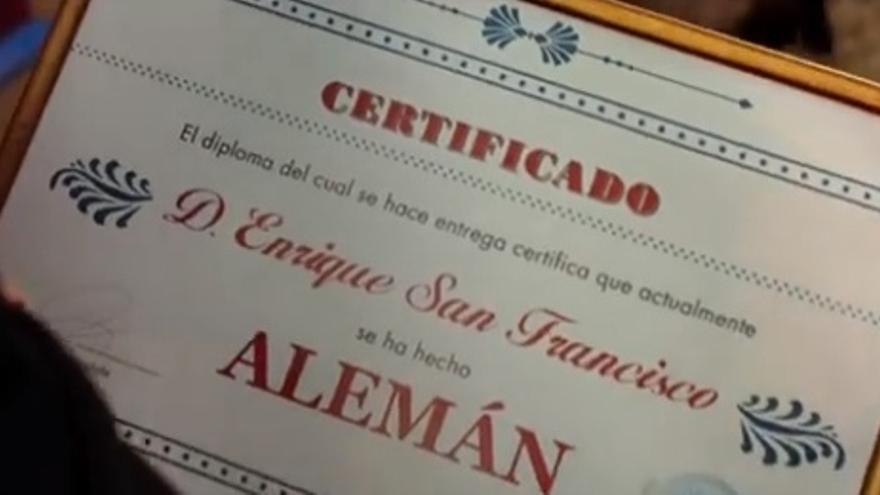 Con este diploma de alemán, te deben dinero en vez de ser al revés, como ocurre a los españoles.