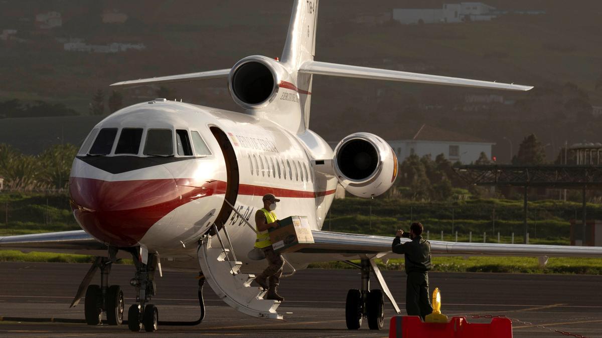 Un avión aterriza en Tenerife Norte