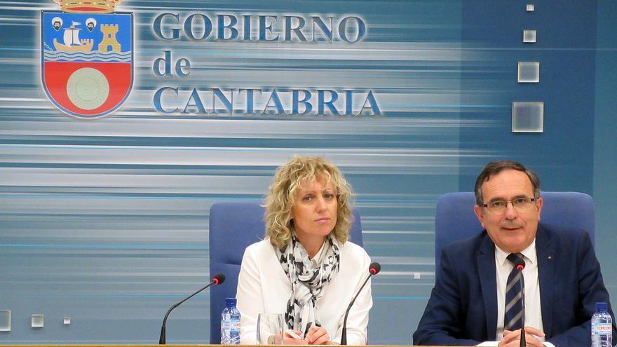 Eva Díaz Tezanos y José Manuel Cruz Viadero en rueda de prensa.