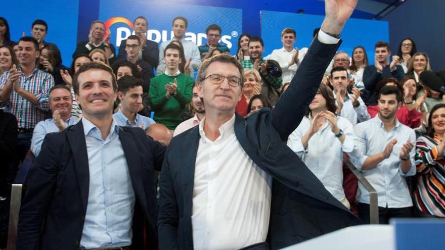 El presidente de la Xunta, Alberto Núñez Feijóo, y el presidente del PP Pablo Casado