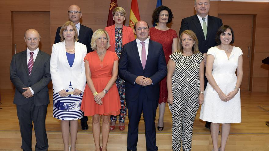 Toma de posesión del Consejo de Gobierno tras las elecciones regionales de mayo de 2015 con el expresidente Pedro Antonio Sánchez / CARM