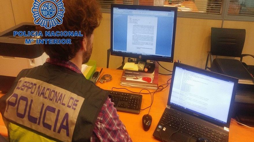 Cinco detenidos en Navarra como presuntos autores de estafa y blanqueo a través de 'mulas de dinero'