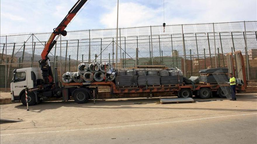 La valla de Melilla, otra vez en la polémica por la vuelta de las cuchillas