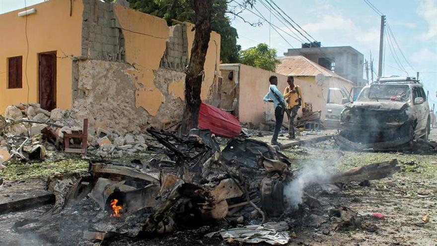 Al menos 7 muertos en un ataque de Al Shabab con coche bomba en Somalia