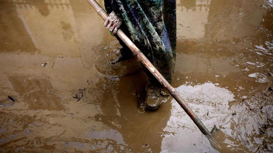 Un millón de niños afectados por el tifón Damrey en Vietnam, según Unicef