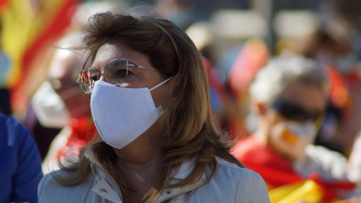 La diputada díscola de Vox, Mabel Campuzano, en una manifestación