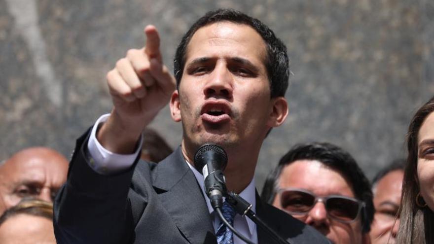 Logros y fracasos de Guaidó en medio año de desafíos a Maduro