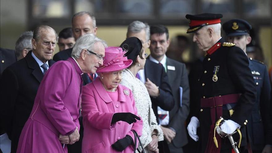 La reina Isabel II y el Duque de Edimburgo celebran su 68 aniversario