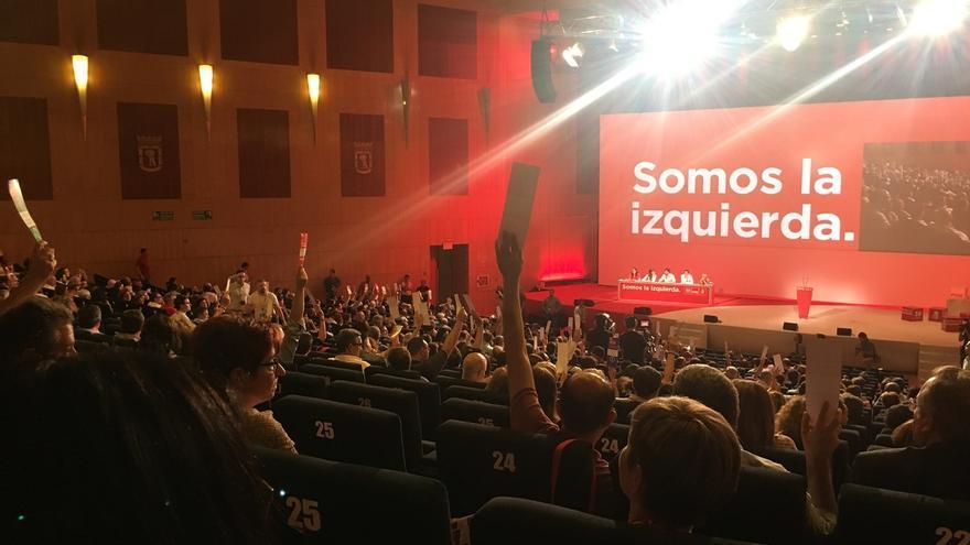 El PSOE plantea que los jóvenes mayores de 16 años puedan votar y regular el proceso de investidura para evitar bloqueos