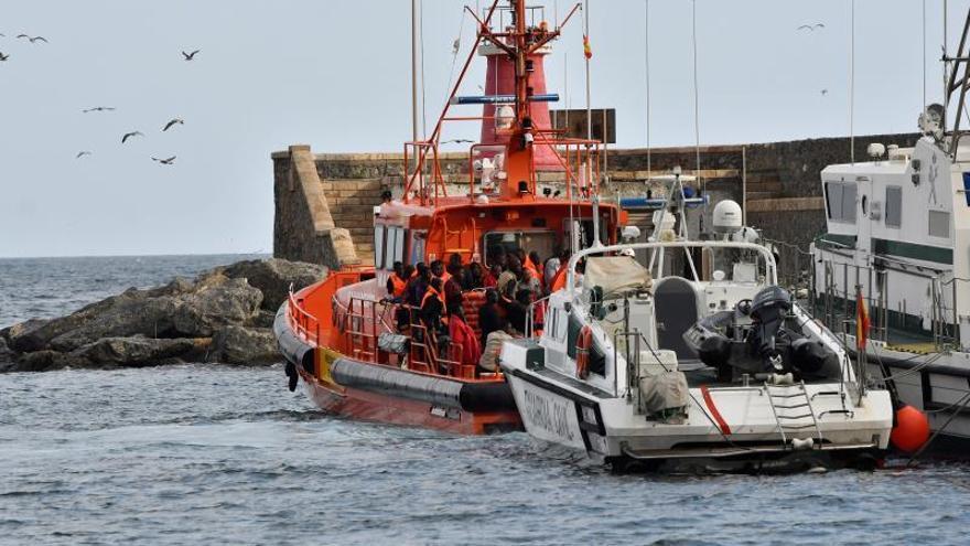 Tres inmigrantes muertos, 18 desaparecidos y 35 rescatados en el mar de Alborán