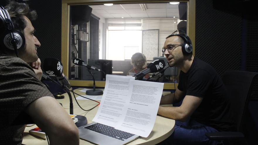 Luis Alegre y Javier Gallego en Carne Cruda