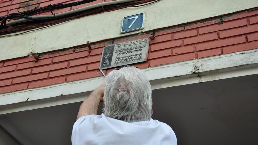 El Gobierno asegura haber retirado todos los símbolos franquistas de fachadas de edificios de la Policía Nacional