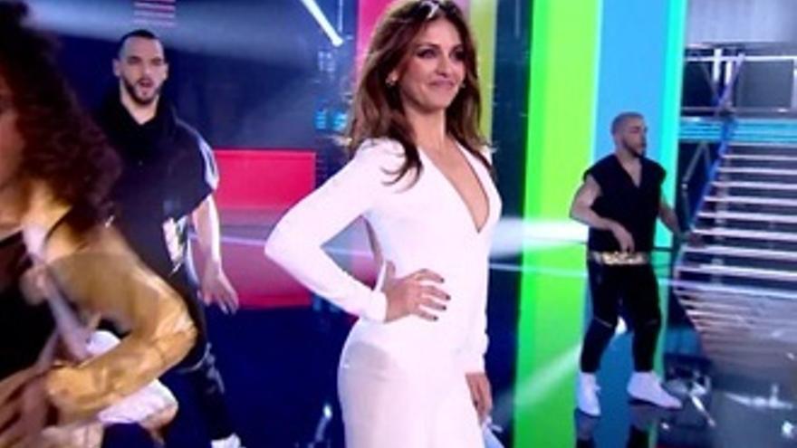 Mónica Cruz, única que no se atreve a bailar en 'Top Dance'