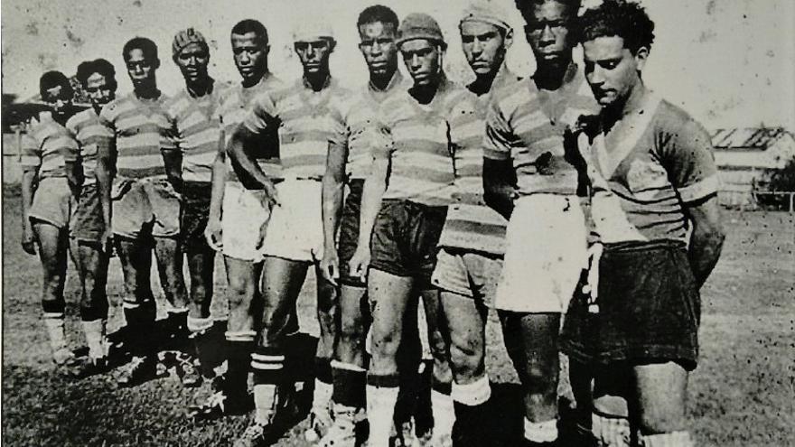 Equipo participante en la Liga Canela Negra de Porto Alegre.