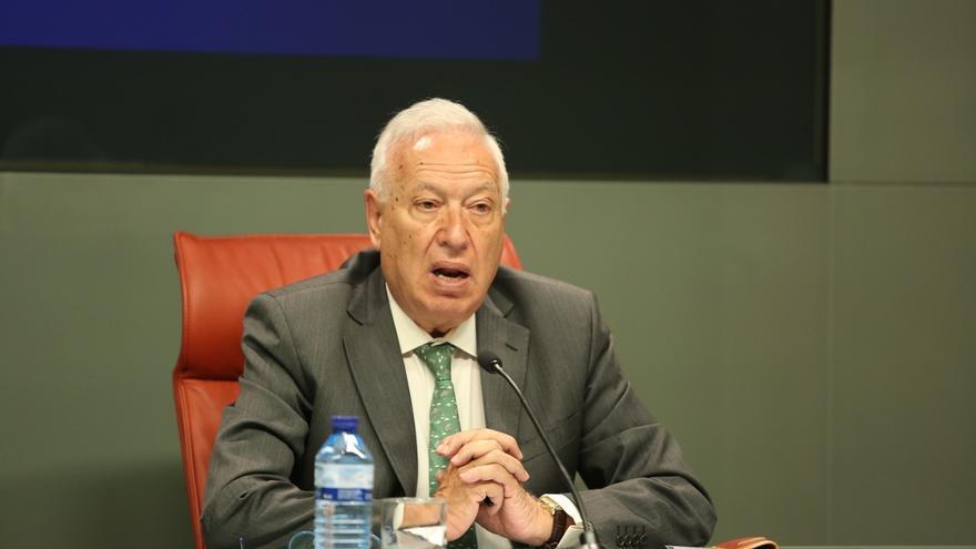 """Margallo recuerda a Rivera que la Constitución prohíbe que el Rey """"borboneé"""""""