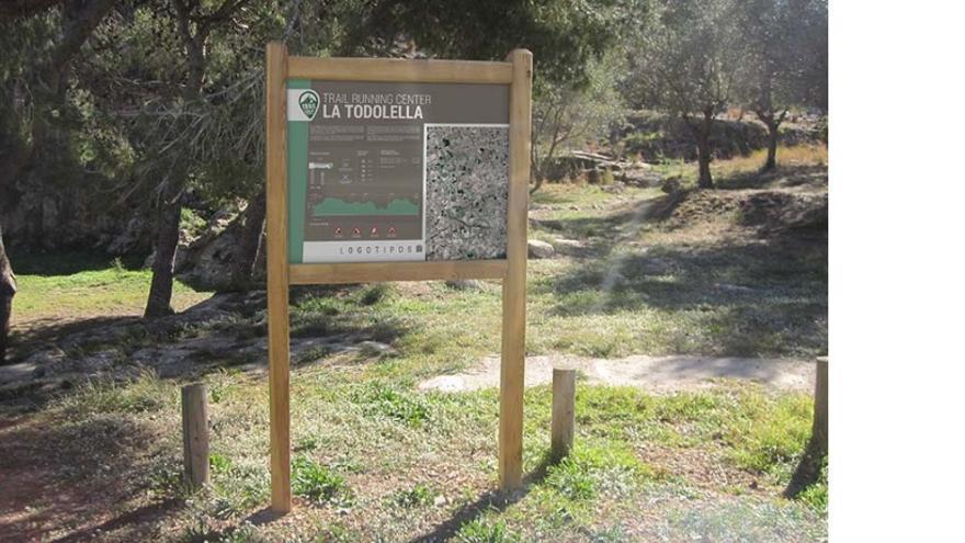 Señalización en Todolella (Castellón).