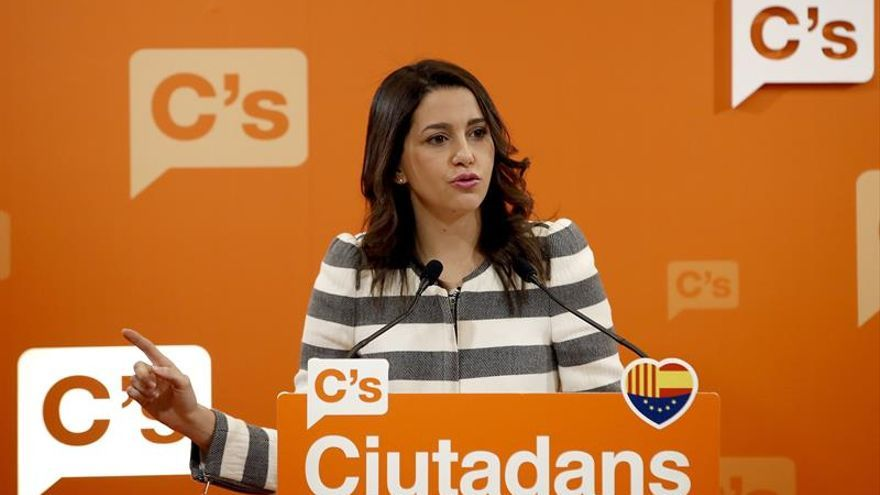 """Arrimadas ve """"muy probable"""" unas elecciones en los próximos meses en Cataluña"""