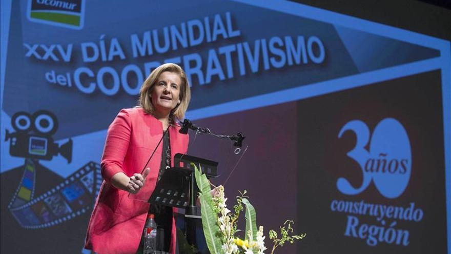 Báñez pide estabilidad política y unidad de España para crear más empleo