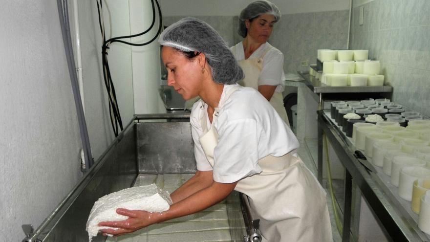En la imagen, instalaciones de queso Las Cuevas, en Puntagorda.