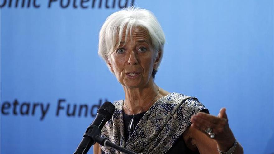 Lagarde adelanta que crecimiento global en 2015 será más débil que en 2014