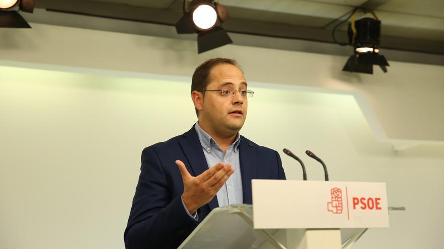 """Luena avisa de que no puede haber """"artimañas"""" para quitar la voz a la militancia del PSOE"""