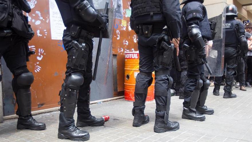 Absueltos del delito de usurpación cinco okupas del edificio de Valcárcel en Cádiz