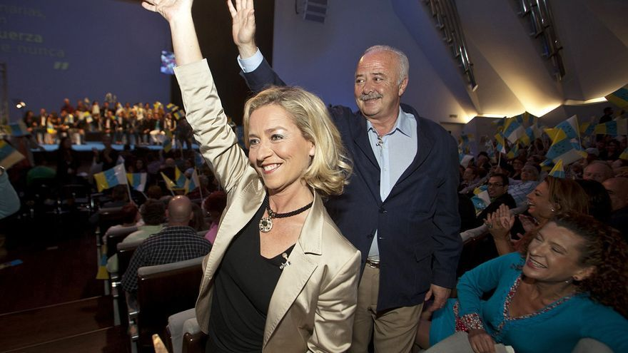 Ana Oramas y Ricardo Melchior en un mitin en el auditorio de Tenerife
