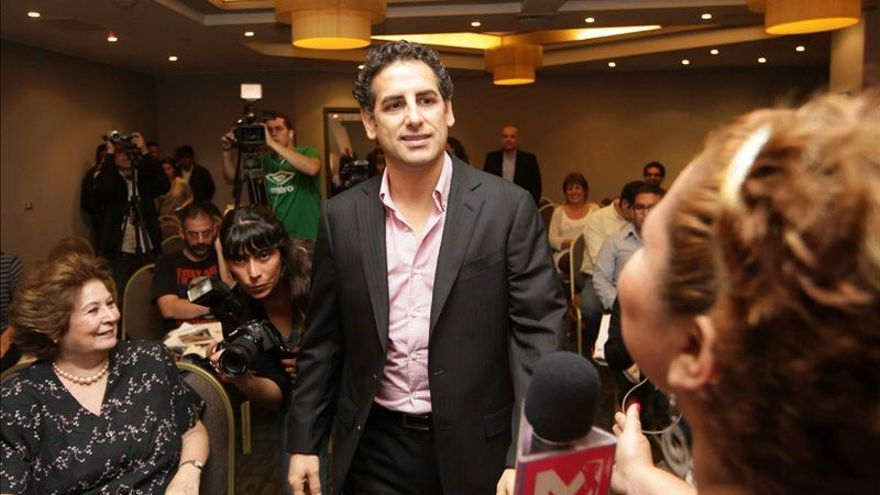 El tenor Juan Diego Flórez atribuye su fama en Perú a una periodista de Efe
