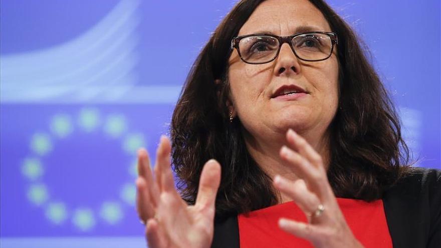 La CE publica un nuevo documento de negociación del TTIP, sobre las medicinas genéricas