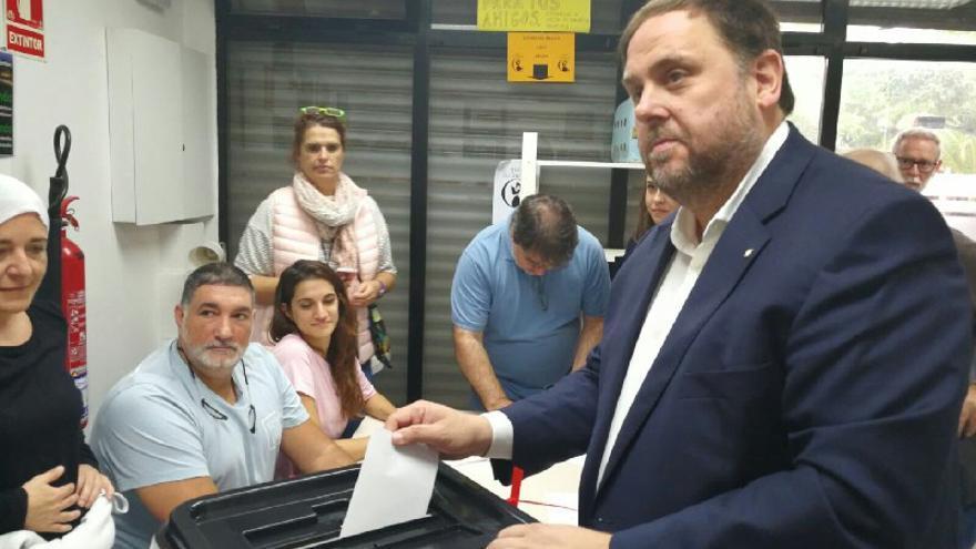 Oriol Junqueras vota en el referéndum del 1 de octubre