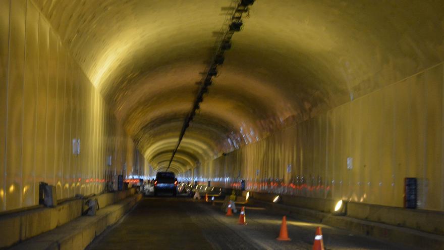 Interior del túnel de la Cumbre.