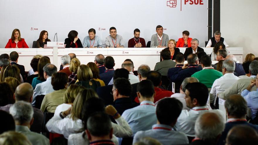 Siete 'barones' del PSOE piden a la Gestora que sólo se abstengan 11 diputados para dejar gobernar a Rajoy