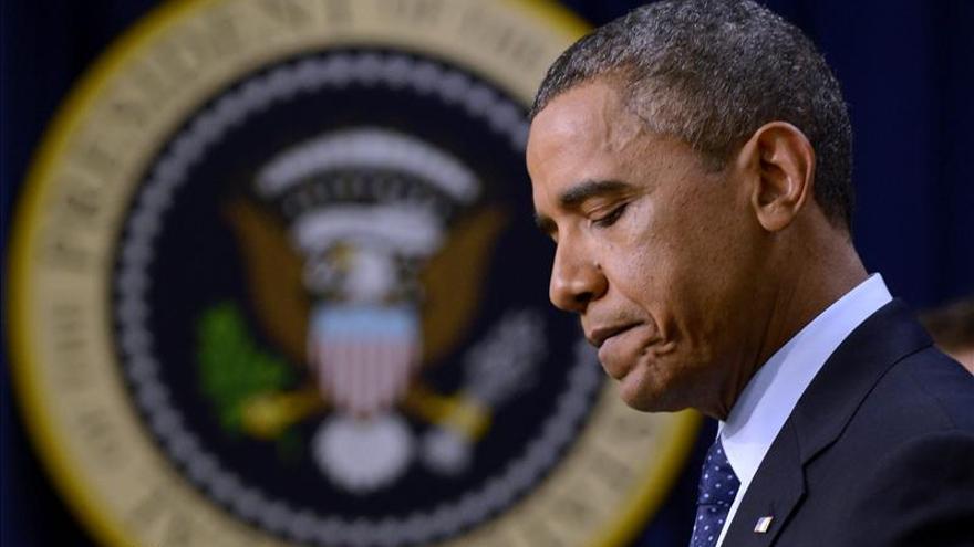 """Obama califica de """"hito"""" la inclusión de las mujeres en línea de combate"""