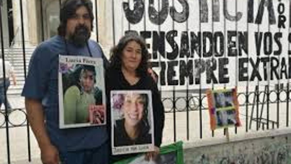 Guillermo y Marta, el papá y la mamá de Lucía Pérez, durante el primer juicio.
