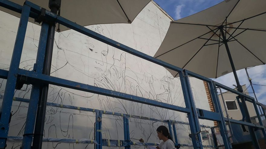 Trabajos en el mural de Colectivo Licuado.